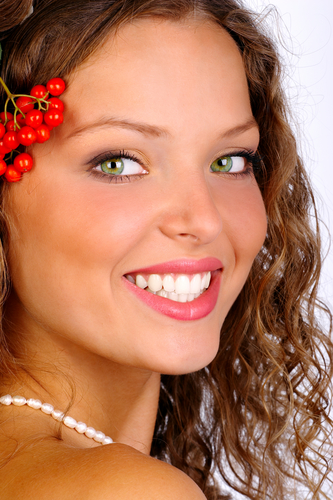 Fremont Cosmetic Dentist Picture of Smiling Woman
